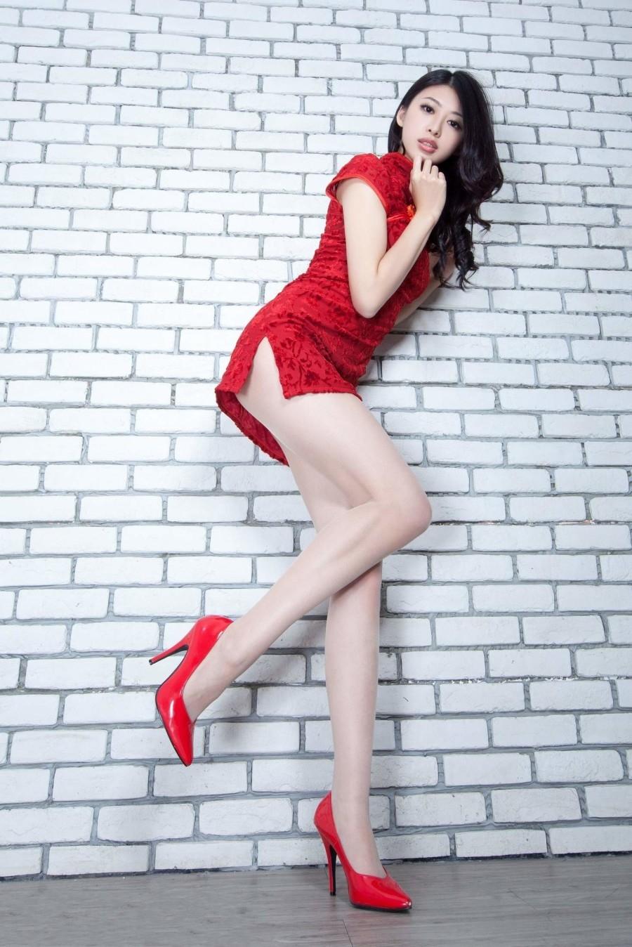 红色旗袍的诱惑50P
