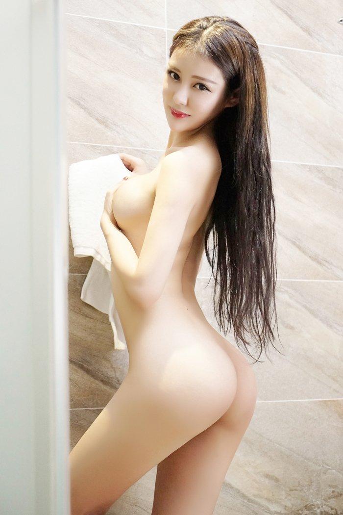 性感美女王乔恩袒胸露乳大胆艺术照[36P]