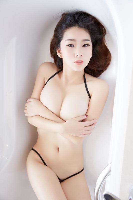 宅男女神曉雯巨乳肥臀無遮擋浴室高清寫真[30P]