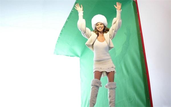 停不下来有理由跳广场舞有了科学依据!研究称跳舞可逆转大脑衰老[每日壁纸17.08.30],女团,高跟鞋,大长腿,绝对领域,侧乳,北半球,桌面壁纸