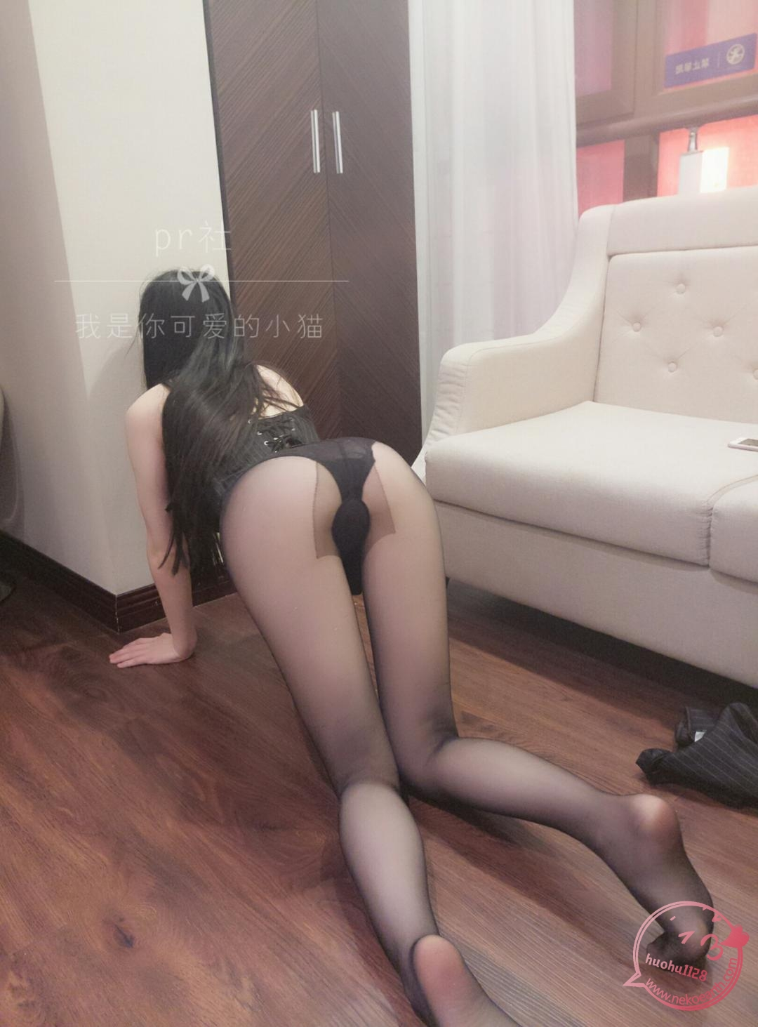 6fgY - Preview: Cute kitten in black stockings (25P)