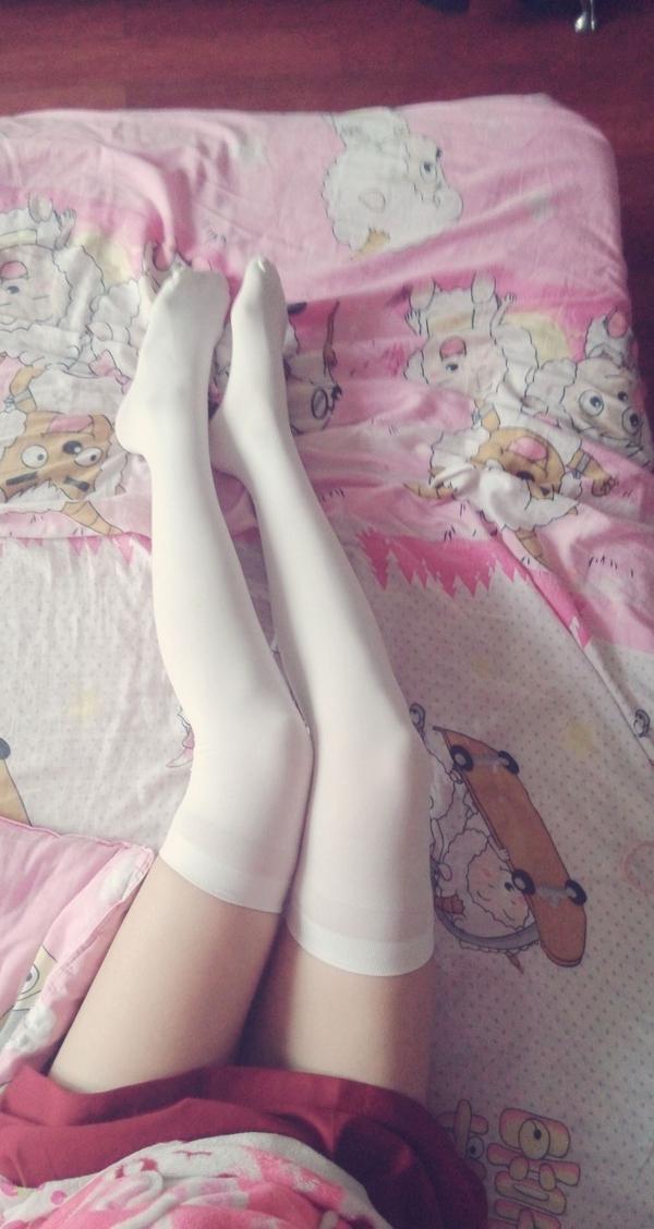 6gnE - Beautiful feet and legs 【2019.04.24】