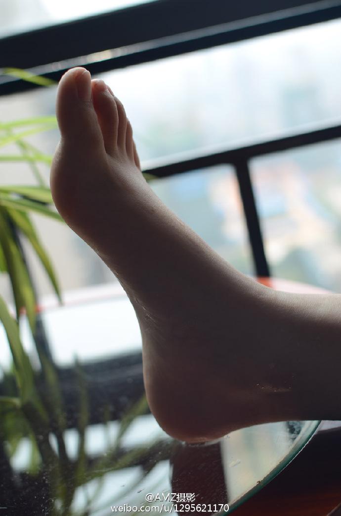 6gNe - Beautiful feet and legs 【2019.04.26】