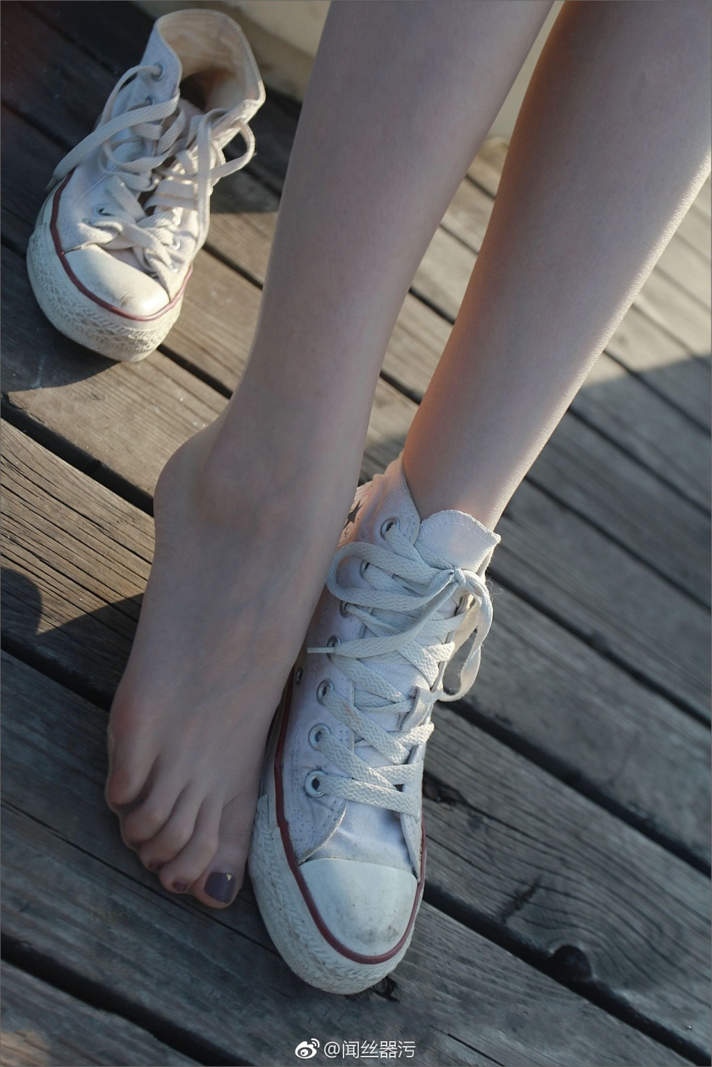 58 - Colorless stockings white canvas shoes white feet 无色丝袜白色帆布鞋白嫩小脚丫