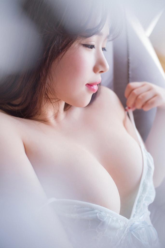 4569 - Rayshen deep cleavage, super beautiful Rayshen牛仔妹妹乳沟深颜值超高