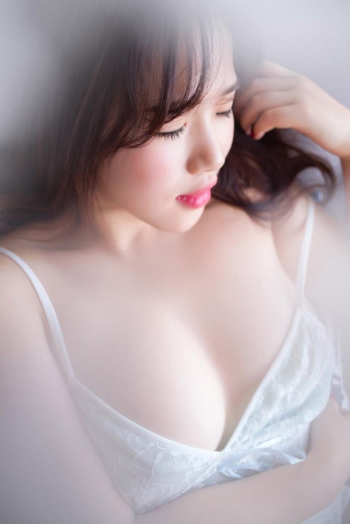 4570 - Rayshen deep cleavage, super beautiful Rayshen牛仔妹妹乳沟深颜值超高