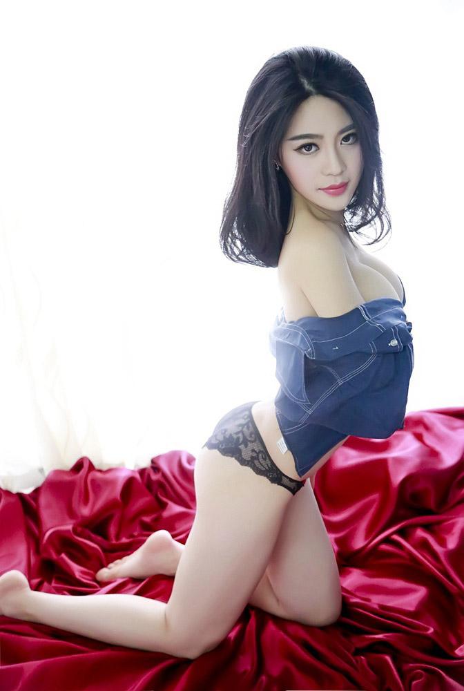 4574 - Rayshen deep cleavage, super beautiful Rayshen牛仔妹妹乳沟深颜值超高