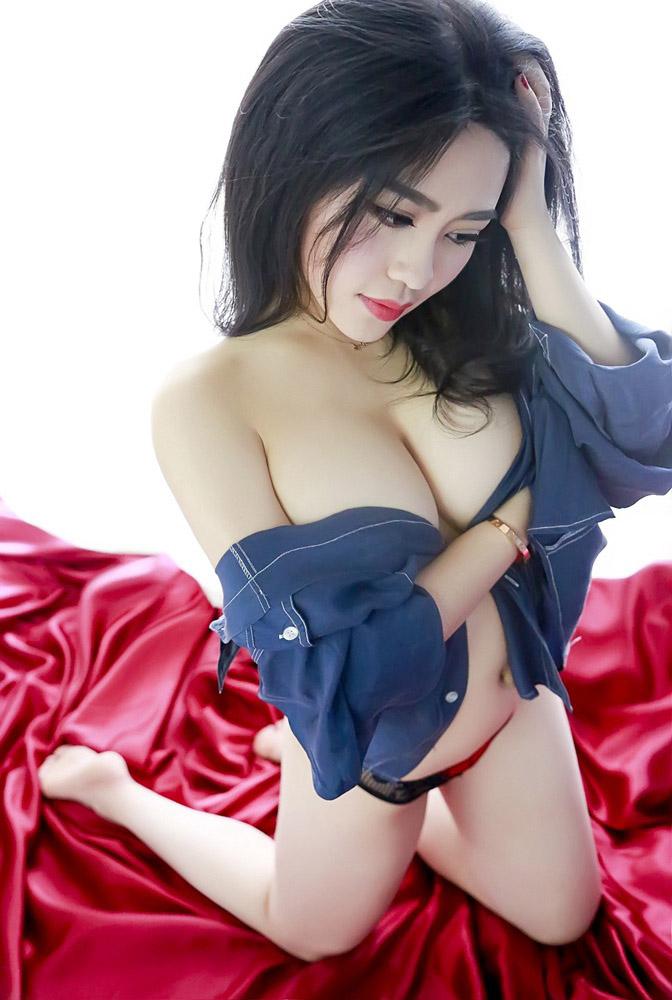 4583 - Rayshen deep cleavage, super beautiful Rayshen牛仔妹妹乳沟深颜值超高