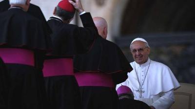 方济各尖锐批评梵蒂冈官僚主义 要求教廷改革