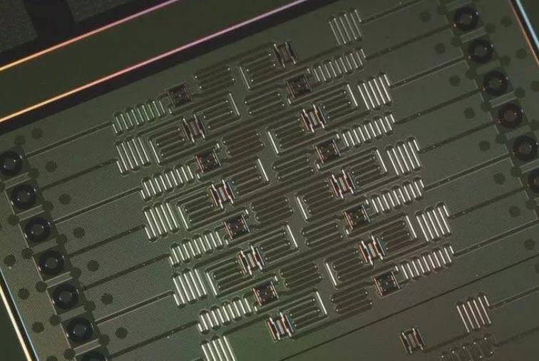 基于量子力学的量子计算机,有一天将会给世界,带来革命性变化