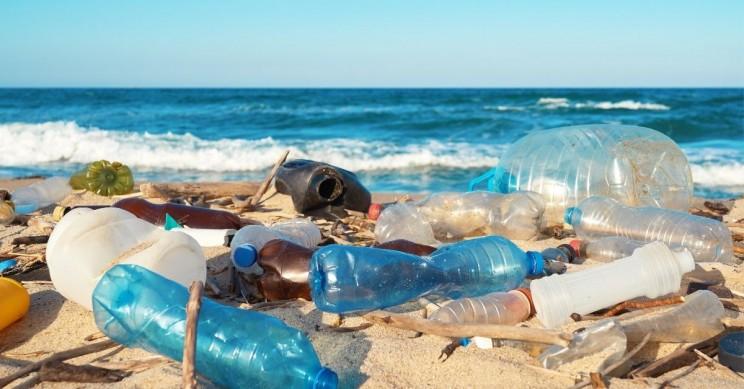 牛津大学化学家把塑料垃圾转为氢能源,几秒钟从塑料中释放97%氢气