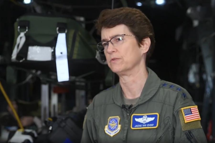"""美国空军推进""""桥式加油机""""项目"""