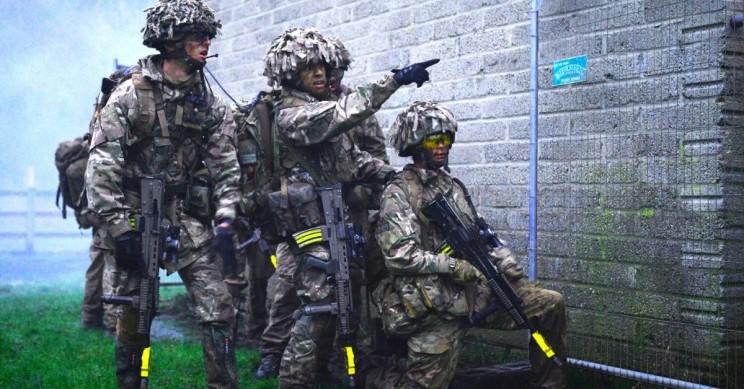 到2030年英国陆军可能拥有30000个军用机器人